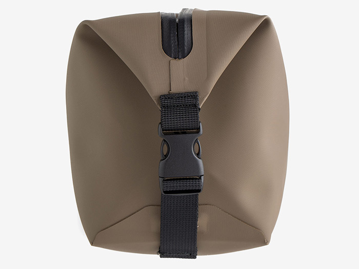 FDE Magpul DAKA Takeout end view with buckled straps that can also act as carry handles